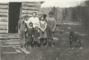 Dieter family members, two miles north of Driftwood School (descriptions1086)