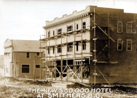 THE BULKLEY HOTEL UNDER CONSTRUCTION.   WRITTEN ON THE PHOT… (descriptions2963)