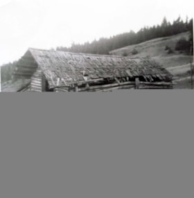 Abandoned Early Day Road House between Hazelton and Moricet… (descriptions4834)