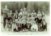 Class photo, GR 1-4, 1939, Telkwa Public School (descriptions4866)
