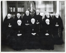 Sisters of St. Ann and hospital photos (descriptions5668)