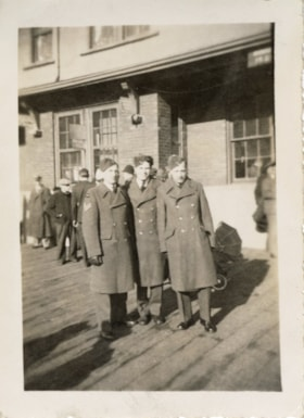 Unidentified men of the Royal Canadian Air Force, Smithers,… (descriptions5672)