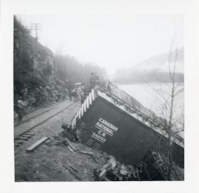Canadian National Railways derailment, Bulkley River, B.C. (descriptions6274)
