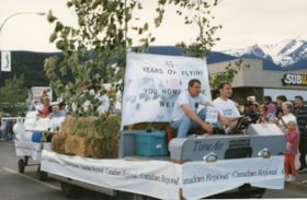 '45 years of flying' float in 75th Homecoming parade (descriptions10453)