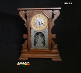 Clock (artifacts32)