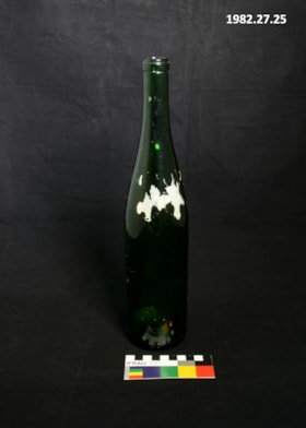 4/5 Quart Wine Bottle (artifacts2297)
