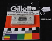 Gillette Saftey Razor Blades (artifacts3232)