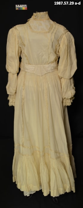 Wedding Dress (artifacts892)