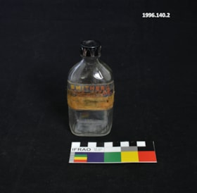 Apothecary bottle (artifacts4201)