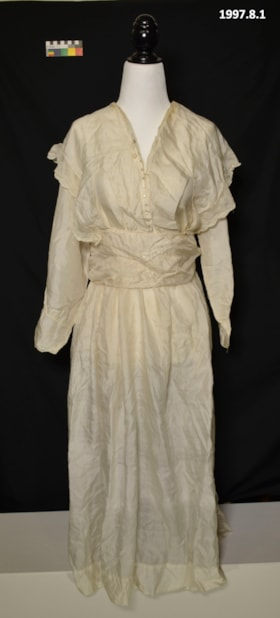 Dress (artifacts1703)