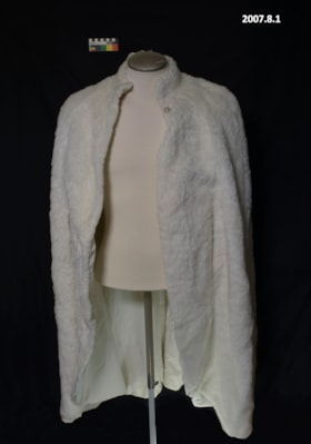 Fur Cape (artifacts2037)