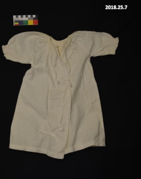 Baby dress (artifacts4031)